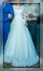Свадебное платье с нежным кружевом